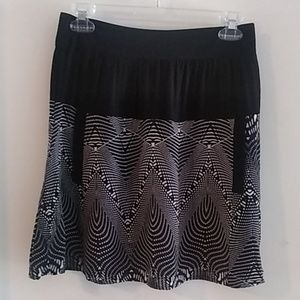 Dresses & Skirts - Black and White Skirt with Front Pockets